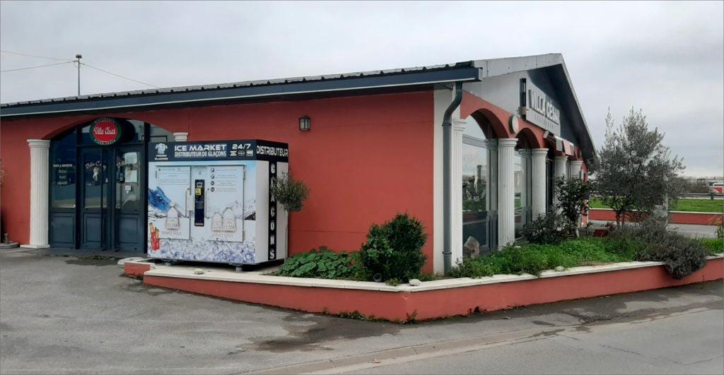 Distributeur-automatique-de-glaçons-et-glace-pilée-villa-cesar-