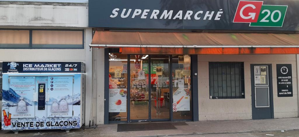 Distributeur-automatique-glaçons-et-glace-pilée-Supermarche-g20-saint-denis-universite
