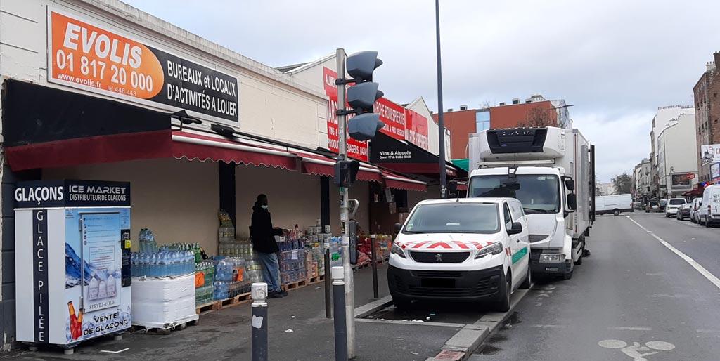 Distributeur-automatique-glaçons-et-glace-pilée-marche-robespierre-montreuil-