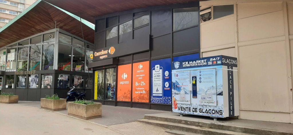 Distribteur-automatique-de-glaçons-et-glace-pilée-Carrefour-Express-malakoff